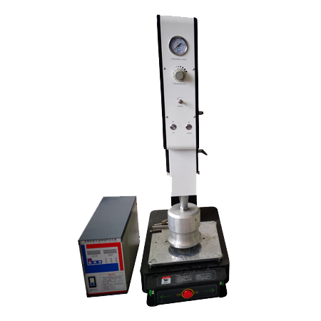 Precision ultrasonic welding machine